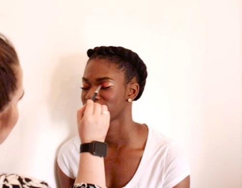 Bronze MAC eye shadow on darker skin tones - makeup artist - makeup lesson - how to apply makeup - smokey eye - glitter