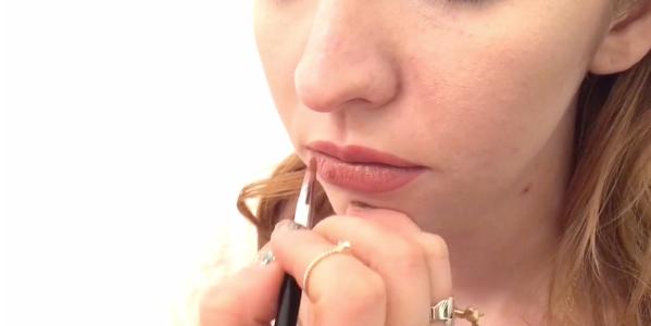 Create the Kylie Jenner look - fuller lips